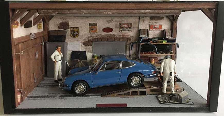 CMC Limited Edition Porsche Diorama